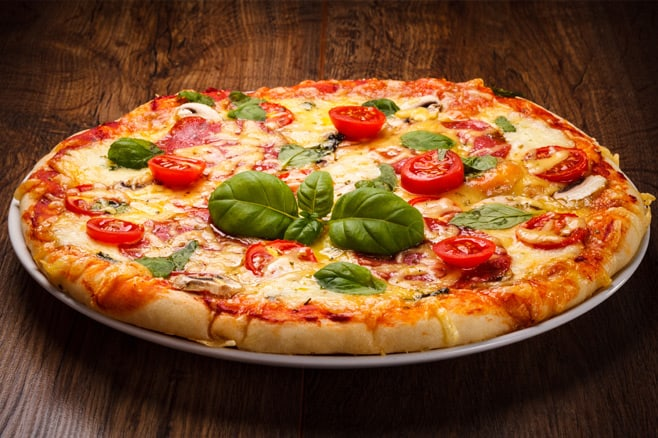 Mangiare una pizza cotta nei forni a legna a roma for Cosa mangiare a roma