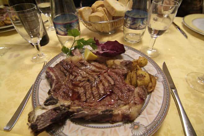 Qualche consiglio su un ristorante dove mangiare una bistecca alla fiorentina